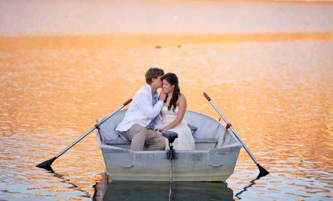 Romantic-Lake-Engagement_Allie-Lindsey_003