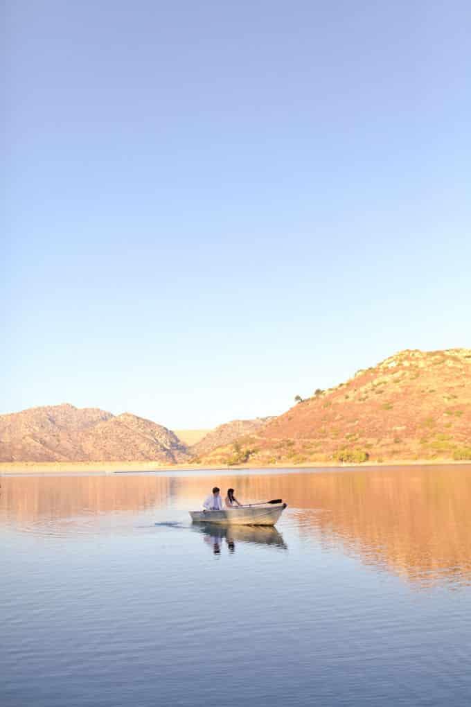 Romantic-Lake-Engagement_Allie-Lindsey_006