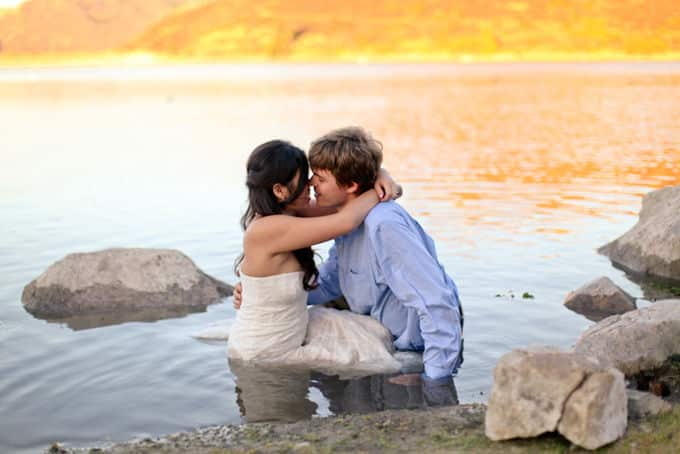 Romantic-Lake-Engagement_Allie-Lindsey_013