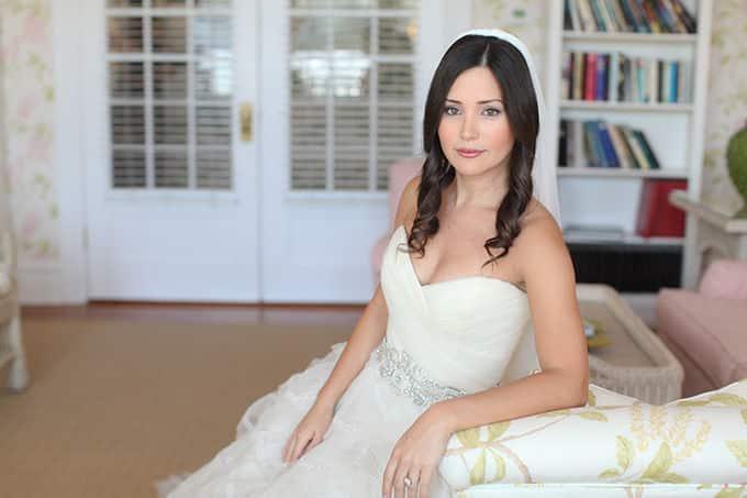 elegant-pink-seaside-wedding-Audrey-Snow-02