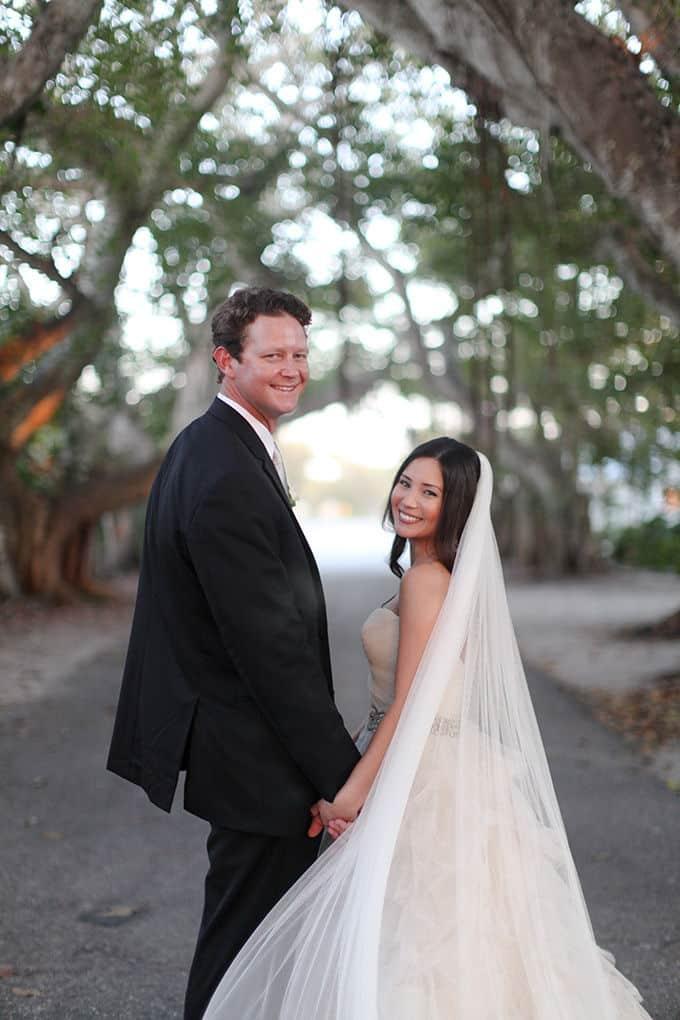elegant-pink-seaside-wedding-Audrey-Snow-09